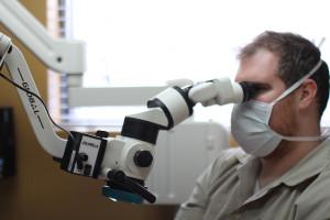 microscope-operatoire-dentiste